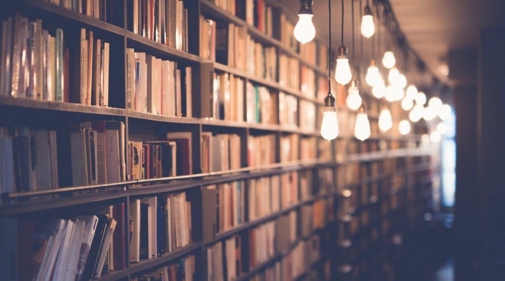 Warum Bücher dein Tor in die Welt sind und Lesen deine Geheimwaffe