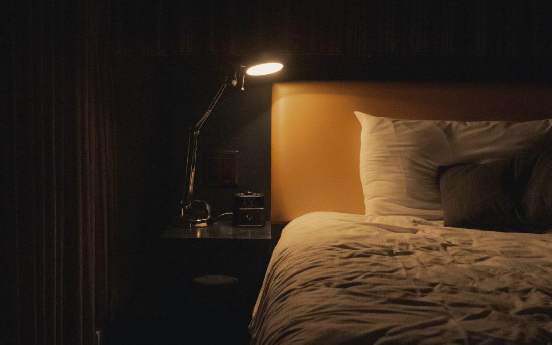 Warum Schlafmangel dich zu einem Monster macht